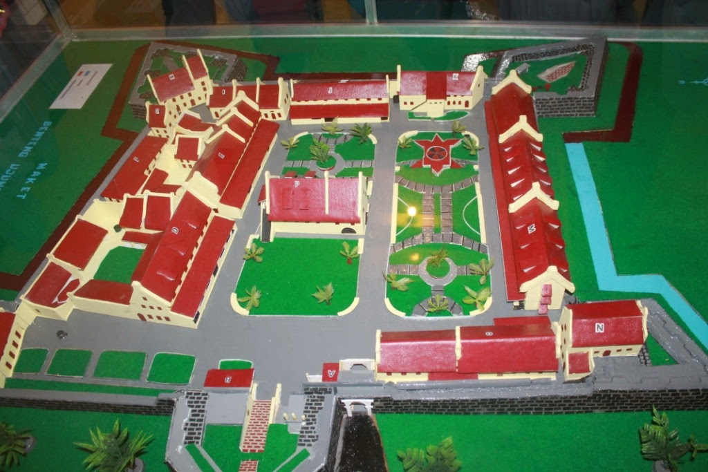 Life Story Laporan Penelitian Benteng Rotterdam Makassar Luas 28 595