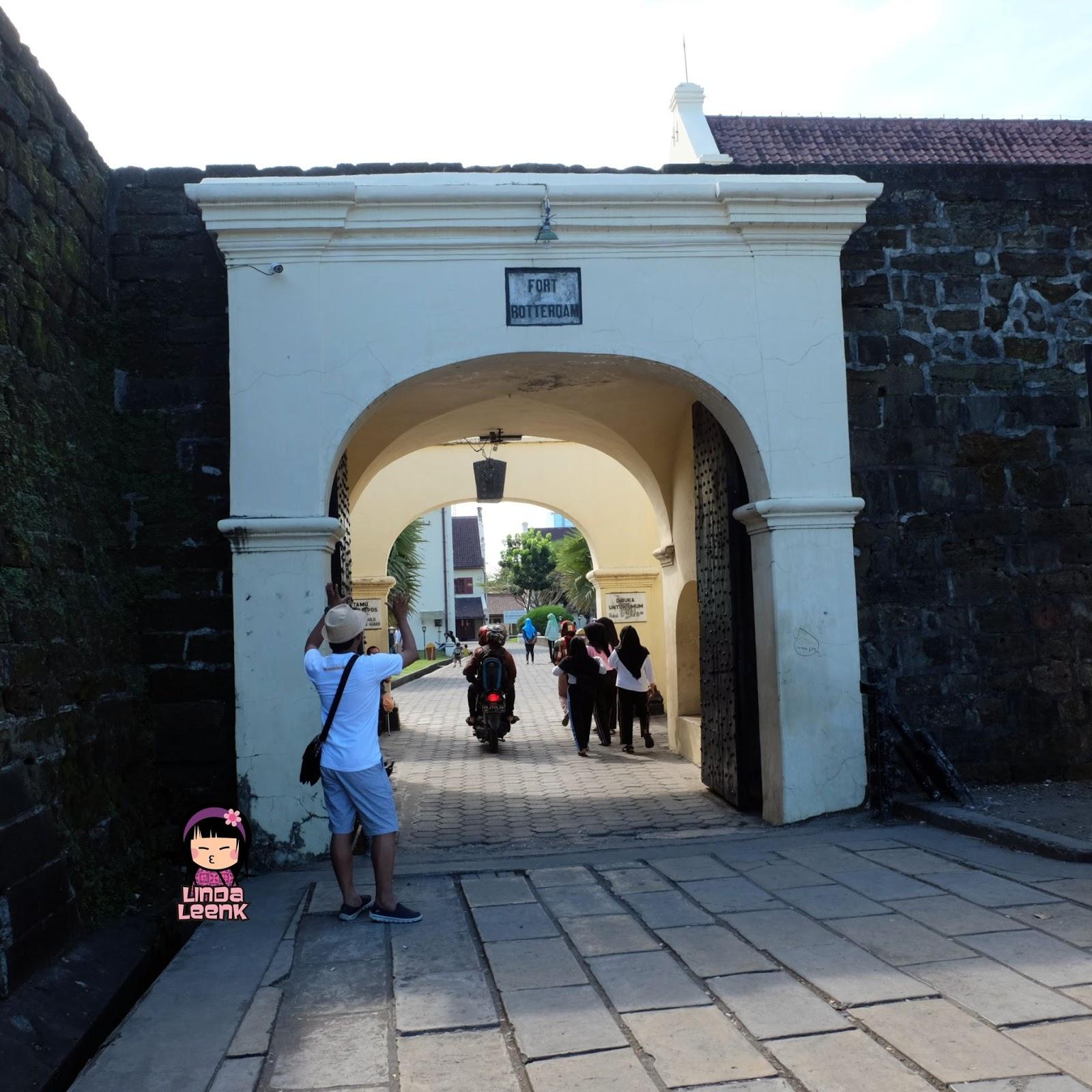 Lingtrip Wisata Sejarah Benteng Fort Rotterdam Makassar Sebenarnya Transportasi Umum