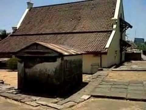 Makam Misterius Disucikan Benteng Fort Rotterdam Kota Makassar