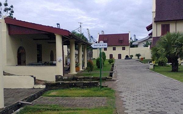 Objek Wisata Fort Rotterdam Makassar Sulawesi Selatan Suasana Benteng Kota