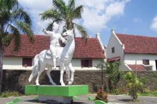 Patung Sultan Hasanuddin Picture Fort Rotterdam Makassar Benteng Kota