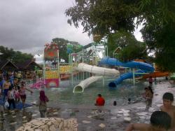 Beli 3 Gratis 1 Tiket Bugis Water Park Tribun Timur