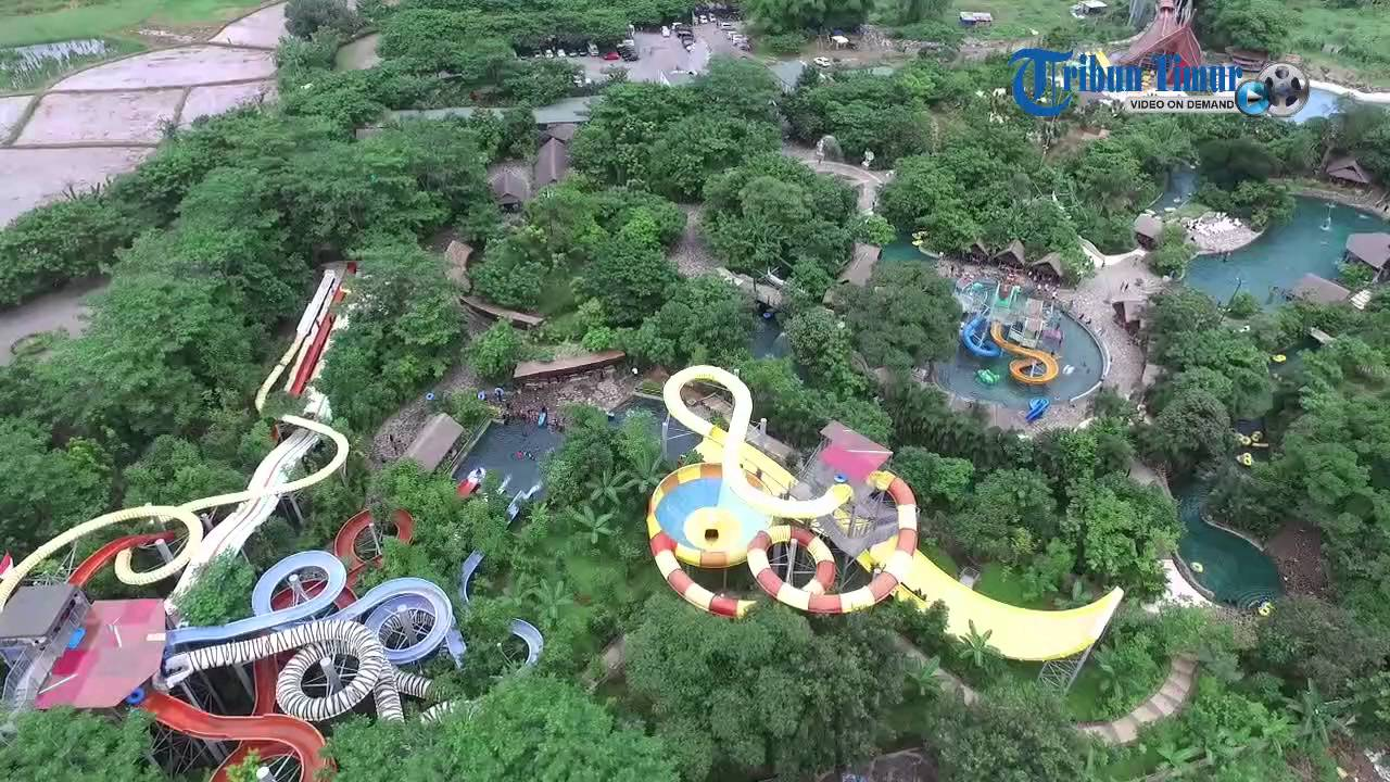 Cantiknya Lihat Wahana Permainan Bugis Waterpark Udara Youtube Water Park