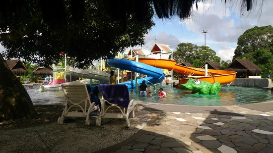 Locatioan Losari Beach Makassar Picture Bugis Waterpark Nice Shady Place
