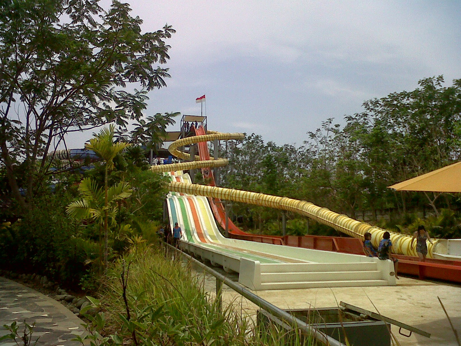 Serunya Bermain Air Bugis Waterpark Nunu Amir Blog Setelah Sampai