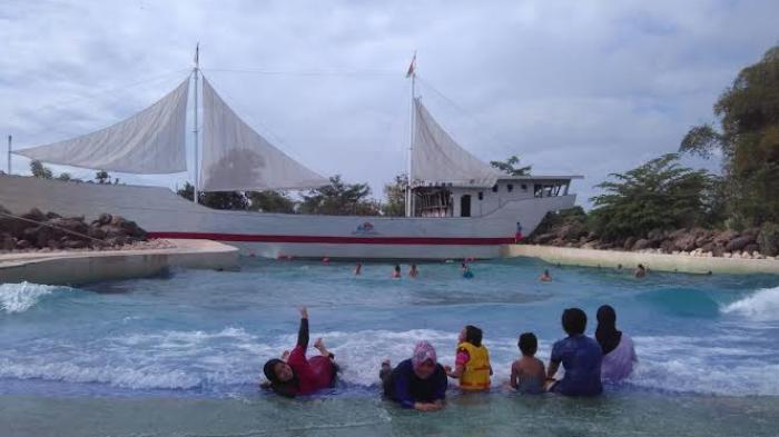 Tiket Masuk Bugis Waterpark Adventure Mulai Rp 120 Ribu Tribun