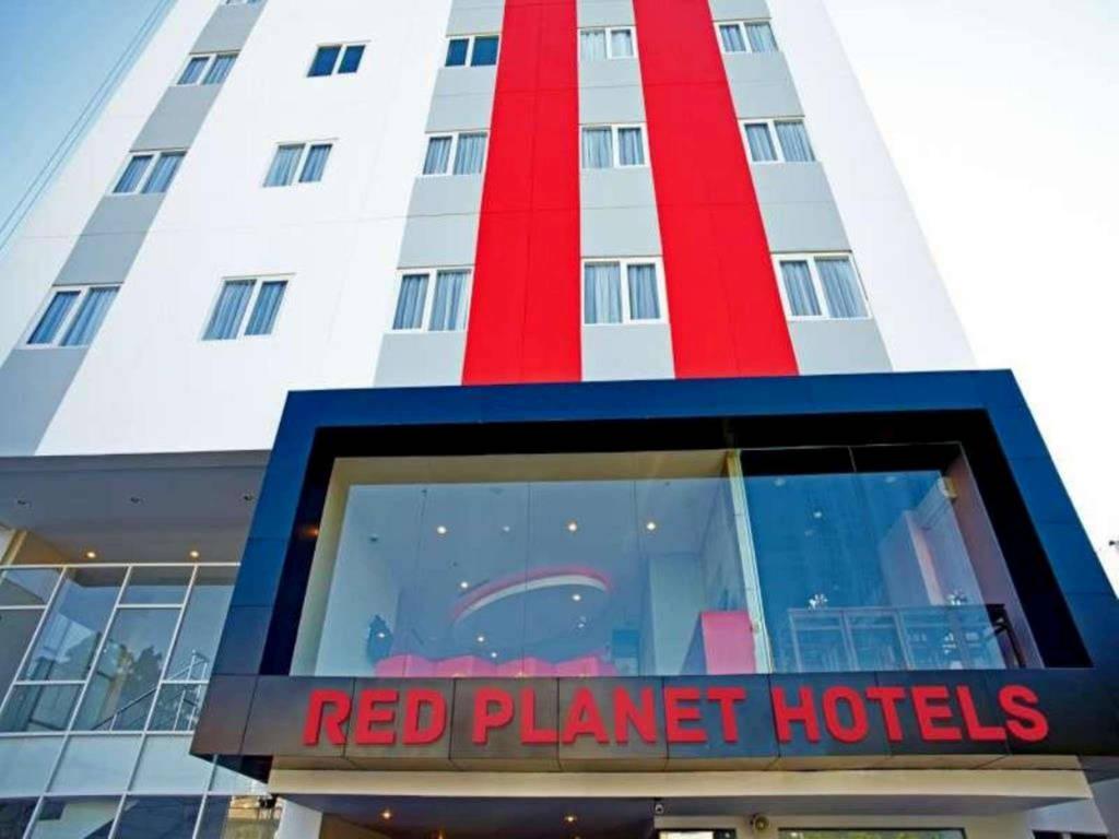 5 Hotel Murah Bagus Dekat Gowa Discovery Park Makassar Red