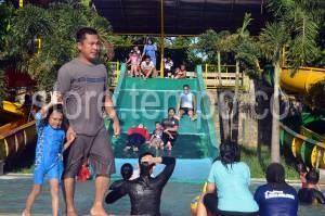 Pengunjung Berwisata Gowa Discovery Park Makassar Kota
