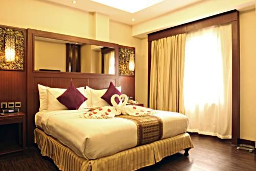 Book Hotels Masjid Amirul Mukminin Makassar Price Western Beach Kota