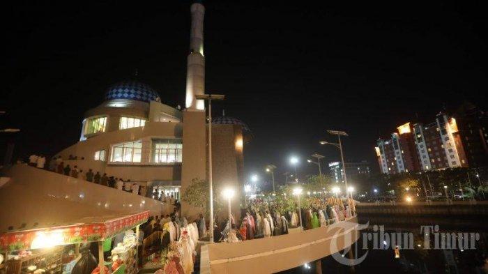 Foto Salat Tarawih Pertama Masjid Amirul Mukminin Makassar 20180516 224304