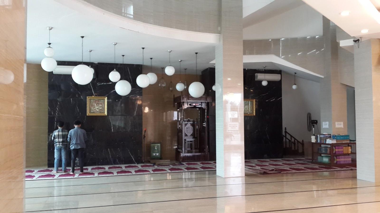 Itinerary Makasar Keliling Kota Bagian Masjid Amirul Mukminin Makassar