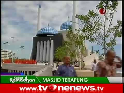 Keindahan Masjid Amirul Mukminin Terapung Makasar Indonesia Youtube Kota Makassar