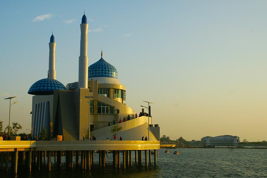 Masjid Amirul Mukminin Indonesia Share Visit Experience Kota Makassar