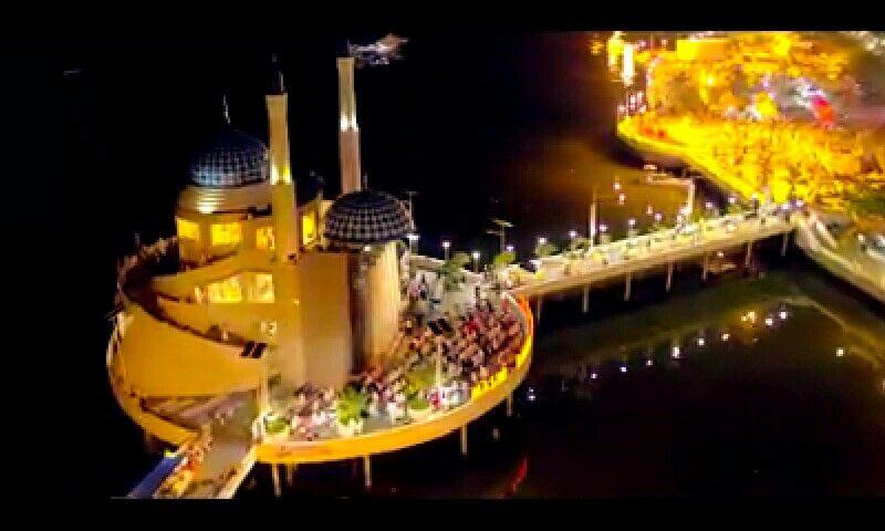 Masjid Amirul Mukminin Pantai Losari Makassar Sulawesi Selatan Kota
