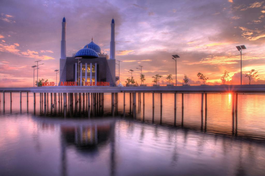 Masjid Terapung Makassar Amirul Mukminin Bia Flickr Adi Vlado Kristanto
