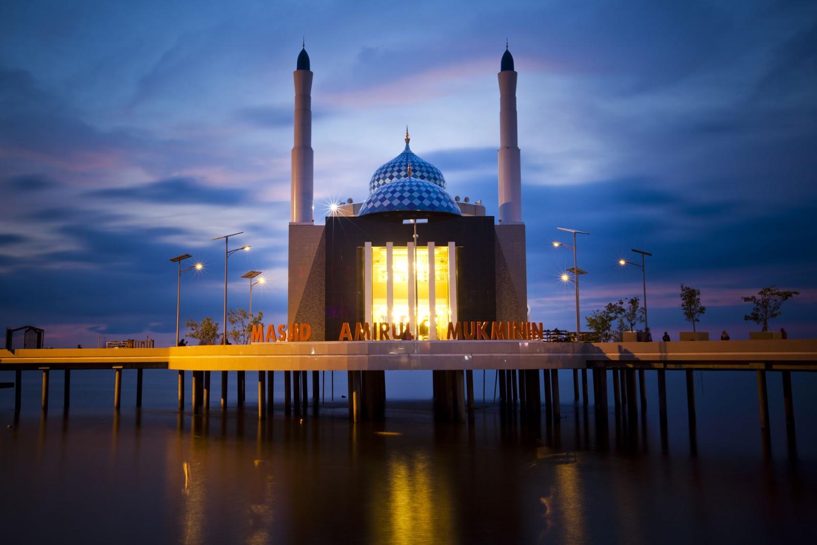 Masjid Terapung Makassar Pertama Indonesia Lho Amirul Mukminin Kota