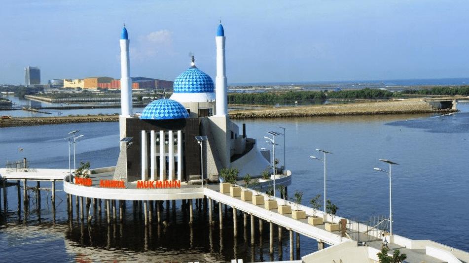 Masjid Terapung Makassar Pt Anugerah Kubah Indonesia Amirul Mukminin Kota