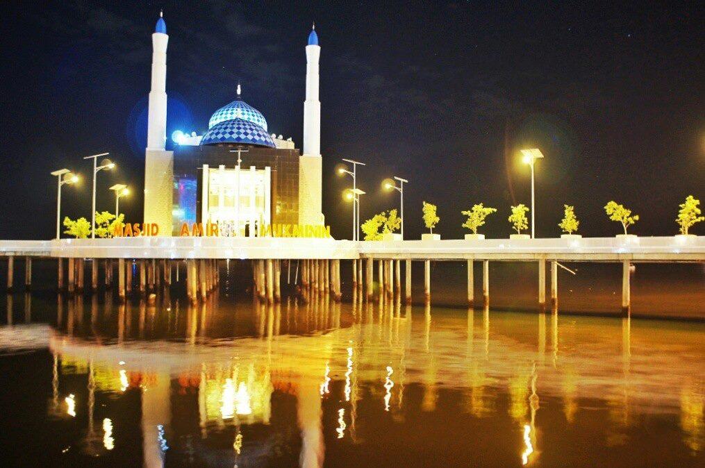 Top 5 Travel Tips Makassar Indonesia Night Stroll Losari Beach