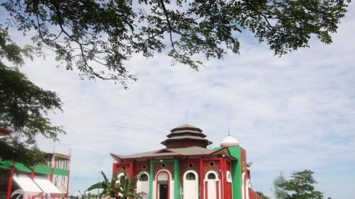 Kasus Ahok Jadi Bahan Khutbah Jumat Masjid Cheng Ho Hertasning