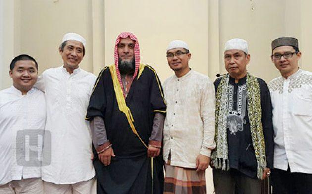 Tarawih Istimewa Masjid Cheng Hoo Makassar Hidayatullah Muhammad Kota