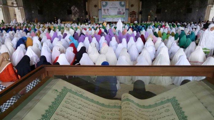Agus Bertemu Ratusan Simpatisan Gerakan Sulsel Mengaji Masjid Raya Makassar