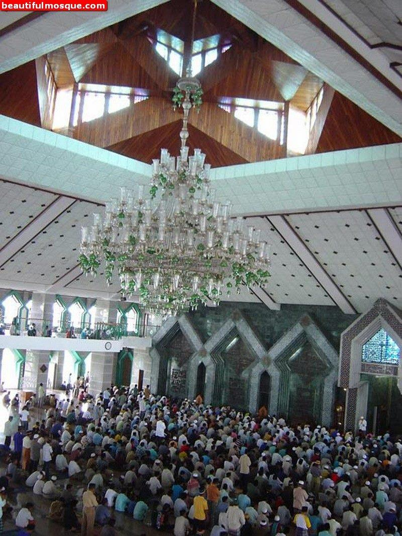 Beautiful Mosques Pictures Images Masjid Al Markaz Islami Makassar Raya