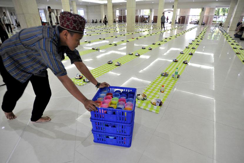 Buka Puasa Bersama Masjid Raya Makassar Republika Online Picture Kota