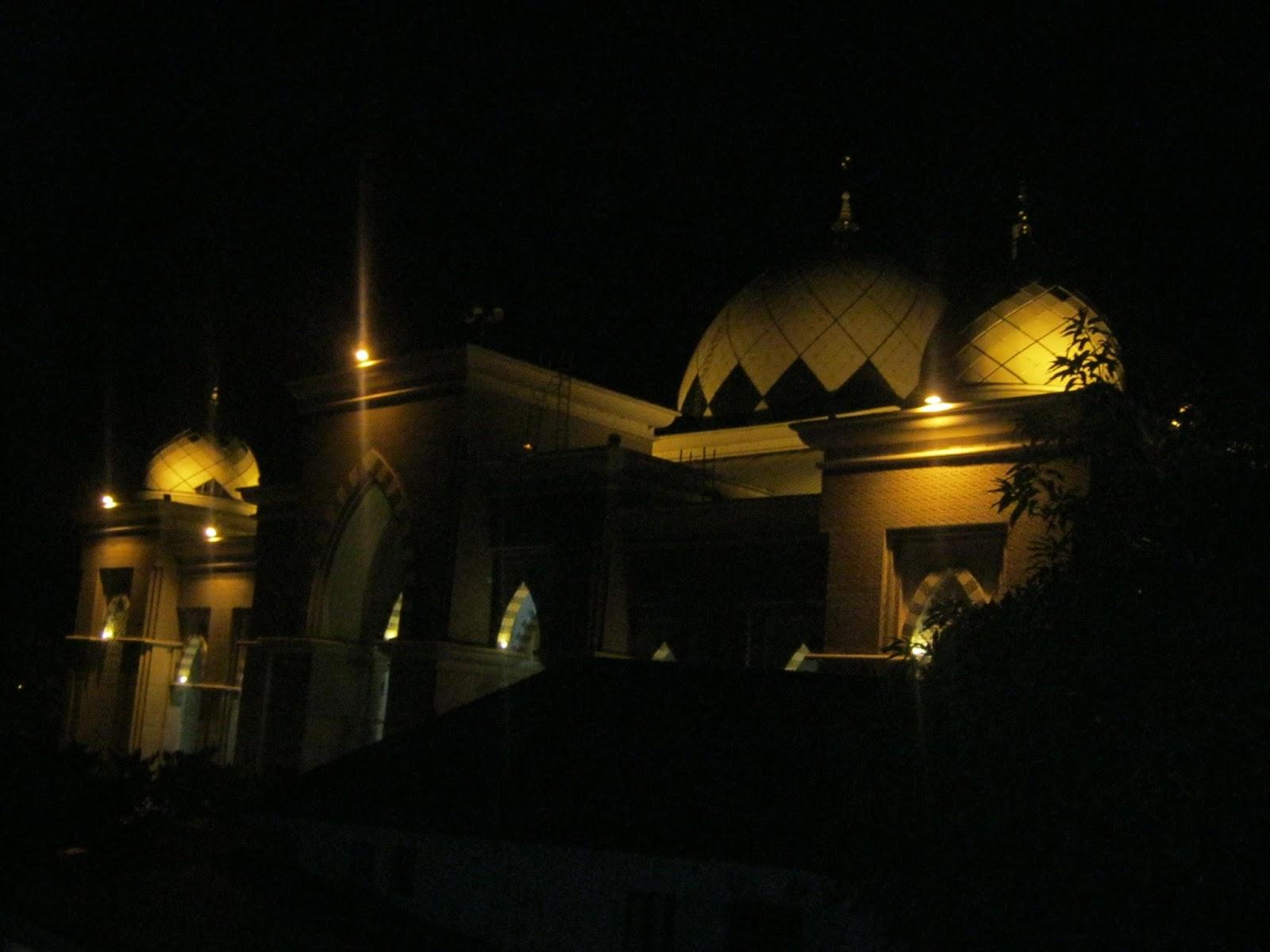 Jelajah Masjid Raya Makassar Subuh Hari Kota