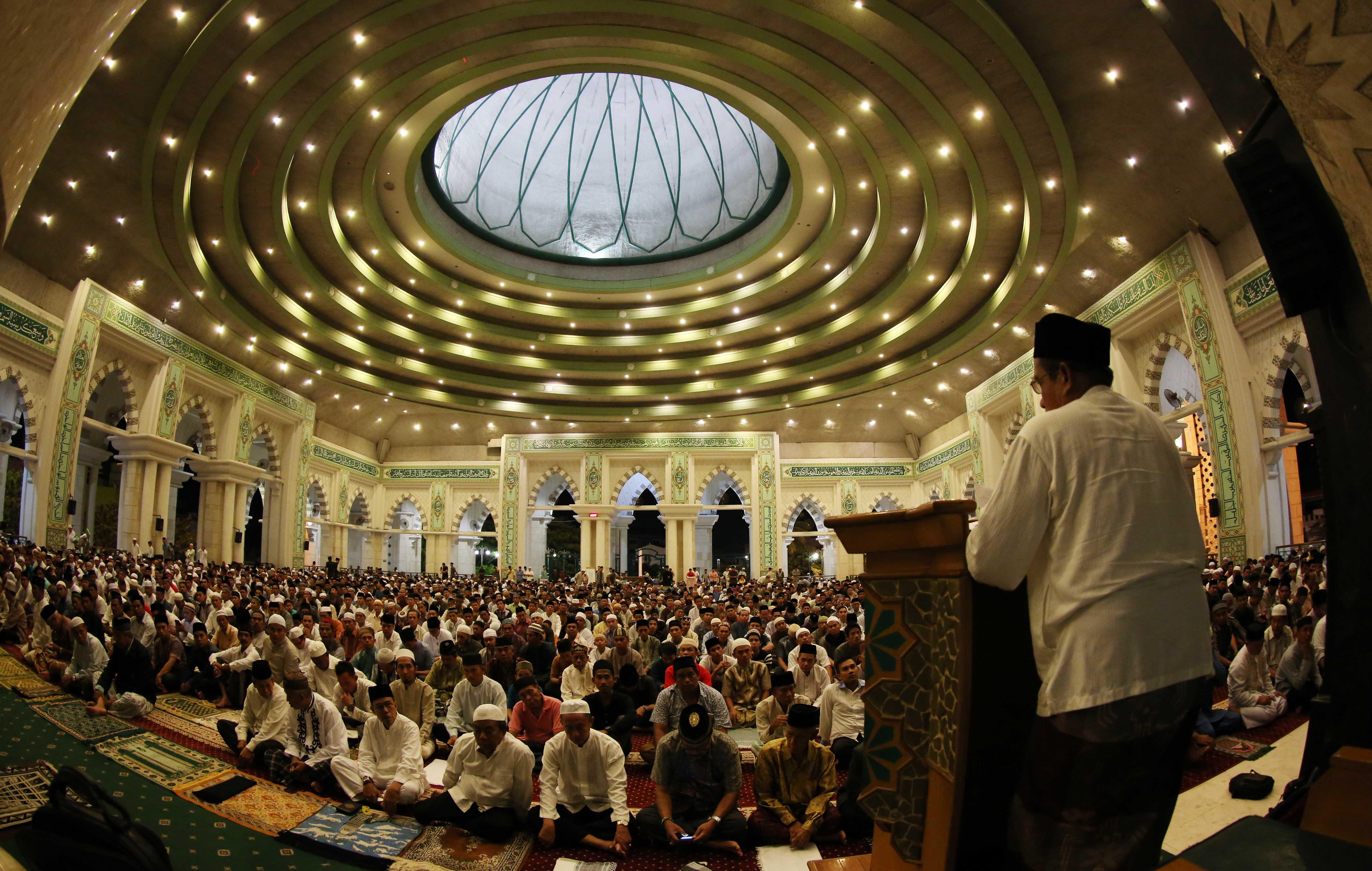 Makassar Merdeka Foto Tarawih Kemegahan Masjid Raya Kota
