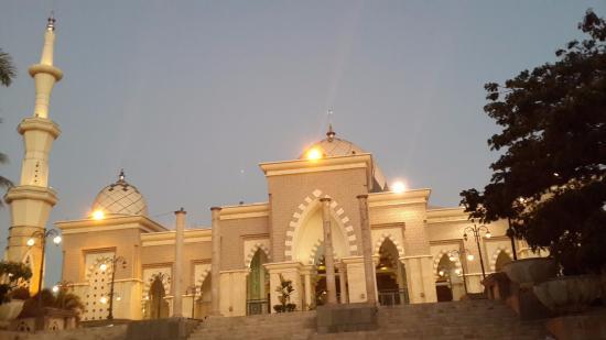 Masjid Raya Makassar Picture Great Mosque Ba Da Subuh Kota