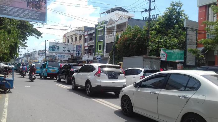 Pukul 13 00 Wita Macet Jalan Masjid Raya Makassar Tribun