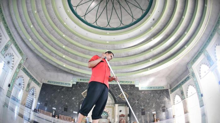 Uang Transportasi Imam Tarwih Masjid Raya Makassar Hingga Rp 2