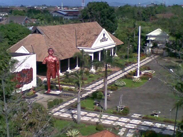 Date Makassar Sulsel Foto Detikforum Monumen Korban 40 000 Jiwa