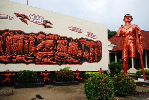Monumen Korban 40 000 Jiwa Iradio Fm 40000 Kota Makassar