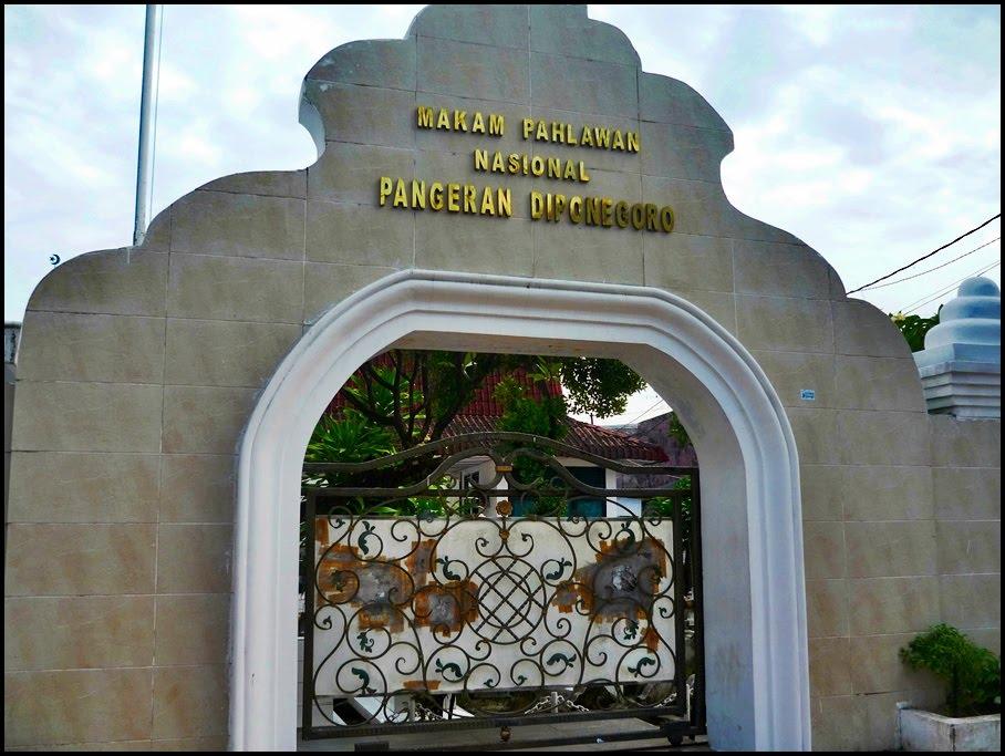 Wisata Kota Makassar Lensa Budaya Makam Pangeran Diponegoro Monumen Korban