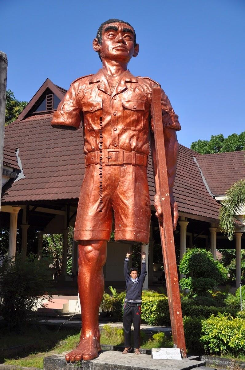 Wisata Sejarah Makassar Monumen Korban 40 000 Jiwa Sholehshare Patung