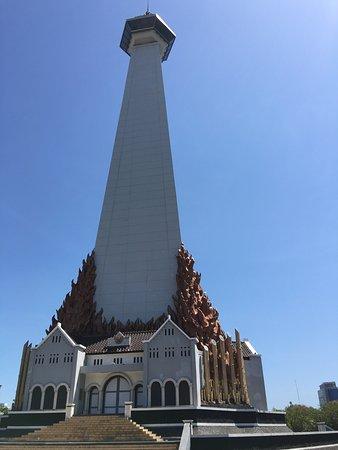 Monumen Mandala Makassar Indonesia Review Foto 45 Pembebasan Irian Barat