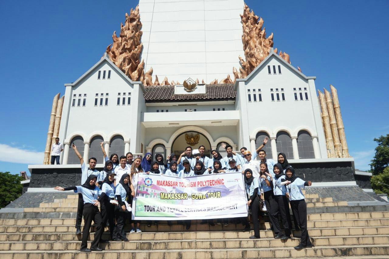 Trip Makassar Gowa Ainaah Setelah Perjalanan Dilanjutkan Monumen Mandala Tempat