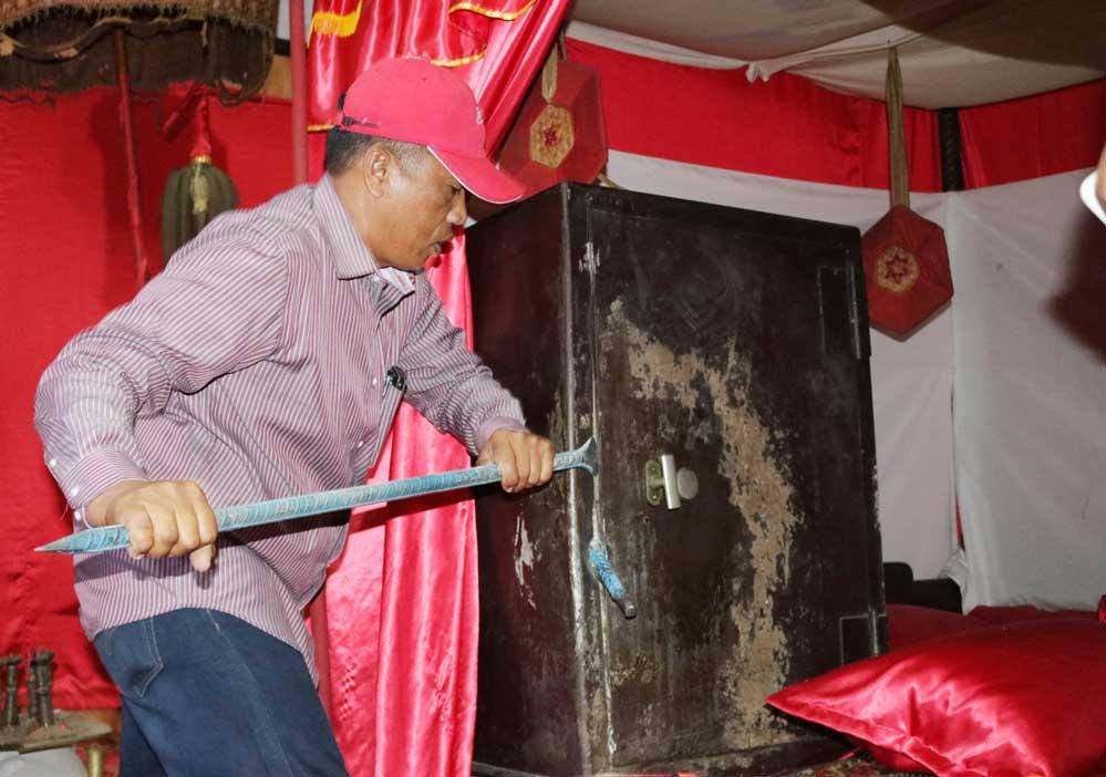 Guru Besar Unhas Pengrusakan Cagar Budaya Balla Lompoa Foto Zhoelfikar