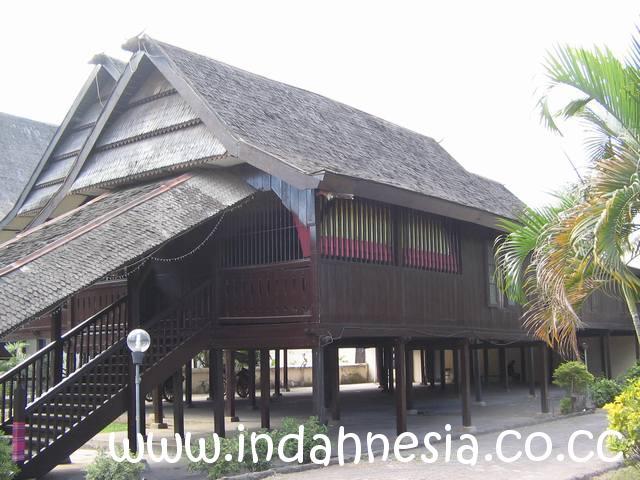 Indahnya Indonesia Museum Balla Lompoa Terabaikan Wajar Mengingat Jam Buka