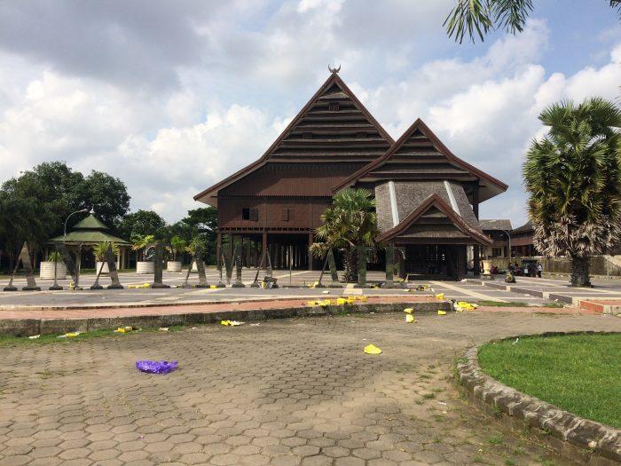 Jalan Istana Kesultanan Gowa Museum Balla Lompoa Days Peninggalan Salah