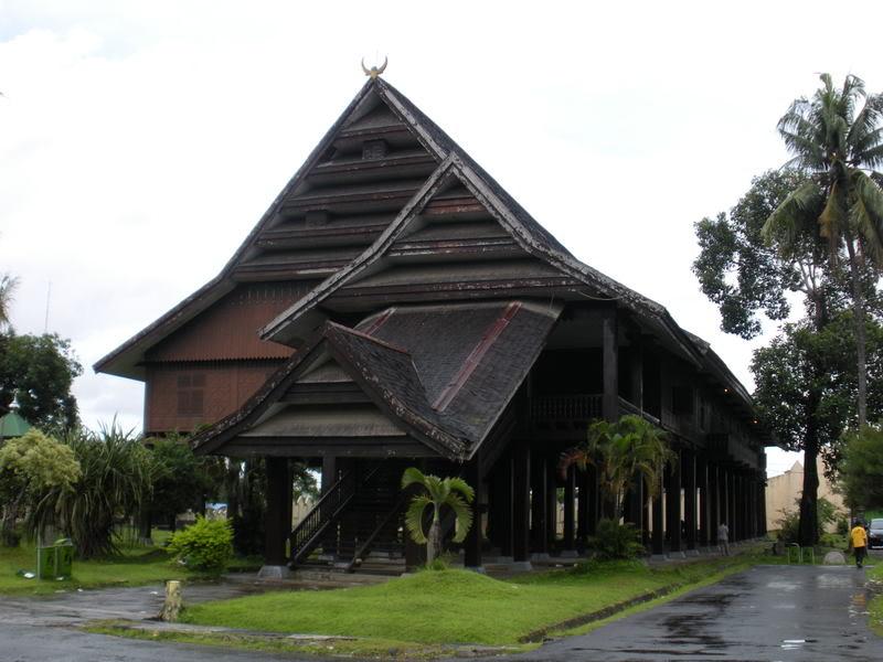 Makna Filosopi Rumah Adat Makassar P Bangunan Museum Dibagi Menjadi