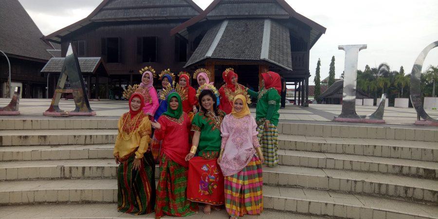 Mengetahui Sejarah Kerajaan Gowa Ibu Bhayangkari Krimsus Polda Kunjungi Museum