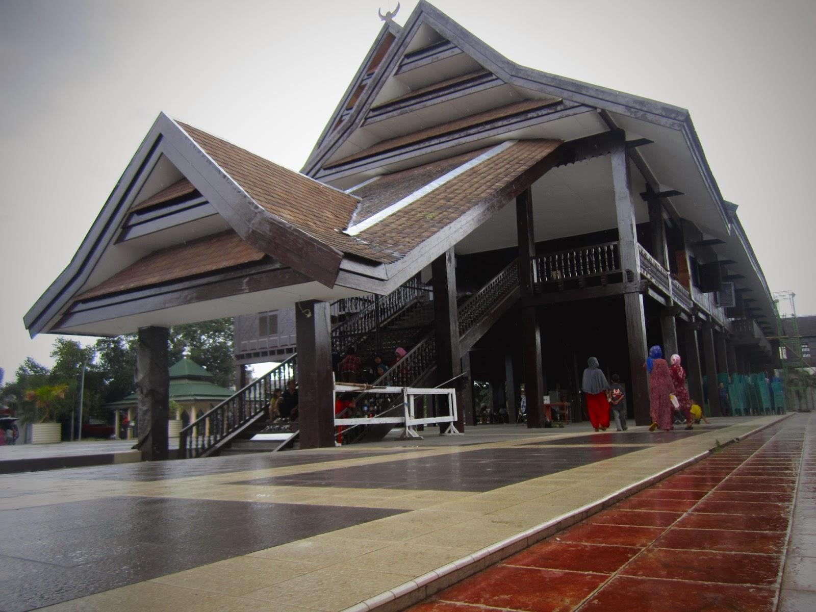 Menjelahi Tempat Bersejarah Gowa Makassar Tak Des Museum Balla Lompoa