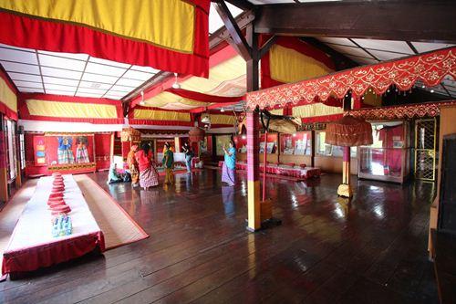 Museum Balla Lampoa Lompoa Kota Makassar