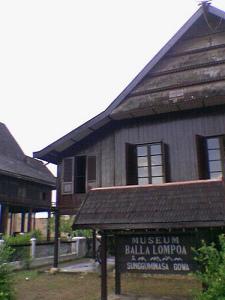 Museum Balla Lompoa Wisata Sulawesi Kota Makassar