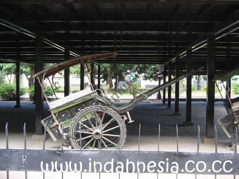 Museumindonesia Museum Balla Lompoa Kota Makassar