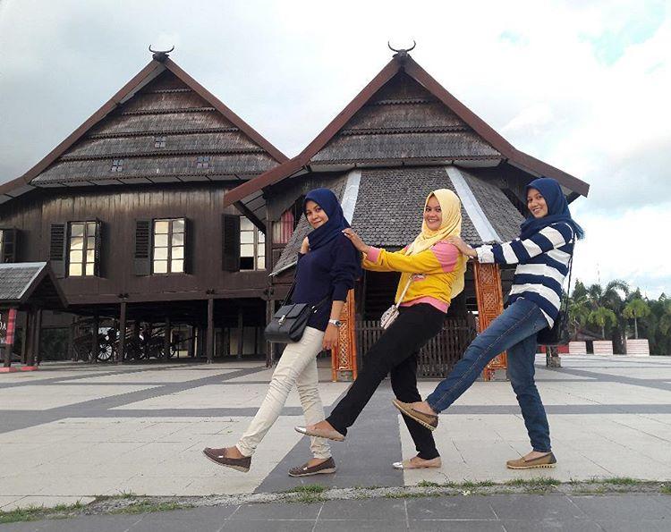 Top 10 Tempat Wisata Makassar Menarik Eksotis Museum Balla Lompoa