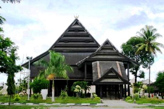 Wisata Sulawesi Selatan Museum Balla Lompoa Terletak Jl Sultan Hasanuddin