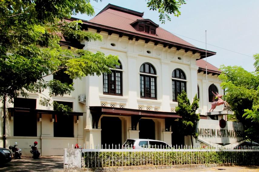 Sejarah Kota Makassar Tempat Indonesiakaya Bangunan Museum Bergaya Art Deco